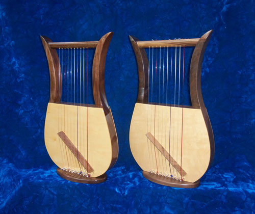 Davidic harps with high-gloss and semi-gloss finishes